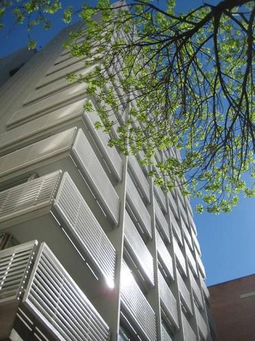 Quartier-del-Polo-Tower-Lateral